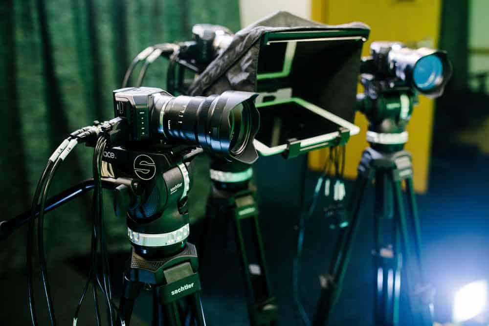 Green-Screen-Camera-Equipment